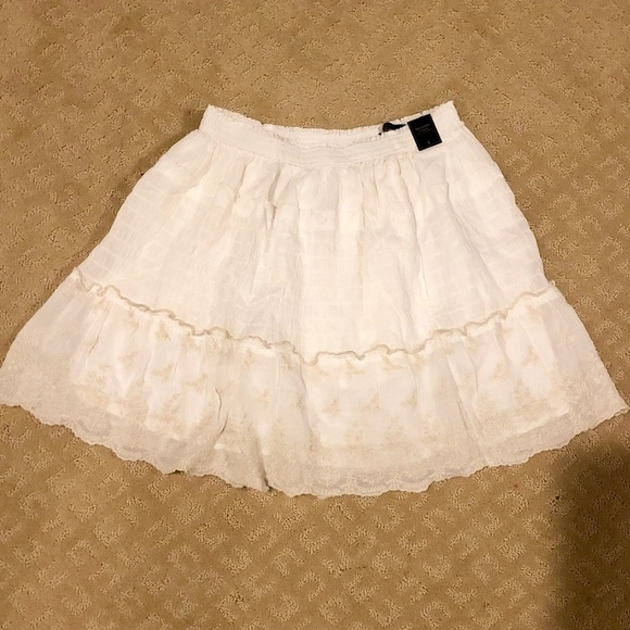 Abercrombie & Fitch Dresses & Skirts - White flowy skirt